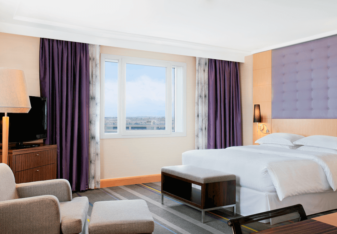 Kingsize bed in Junior Suite